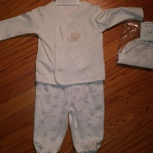 Bloomie's Infant Outfit Set 6 Months Bear Pattern